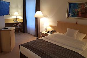 MMI-Das Hotel: 68 Zimmer zum Wohlfühlen in ruhiger Atmosphäre des alten Klosteranwesens.
