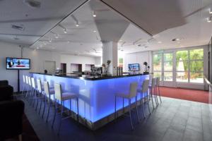 MMI-Das Hotel: Für unsere Hotelgäste ist die Bar täglich von 18.00 Uhr bis 01.00 Uhr geöffnet.